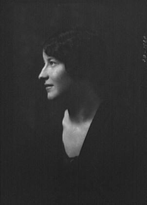 Lathrop, Jane, Miss, portrait photograph