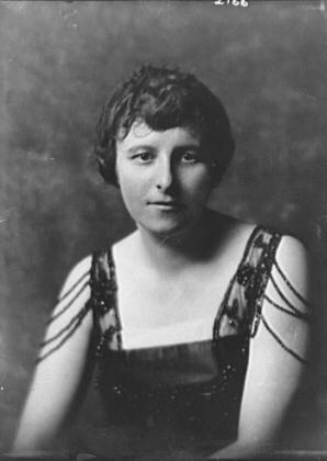 Tinker, E.R., Mrs., portrait photograph