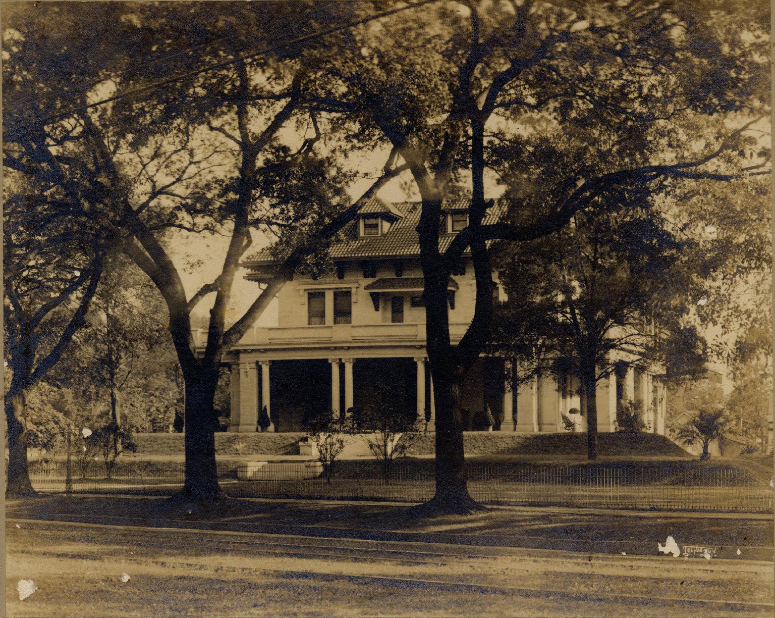 Residence of Mark Isaac