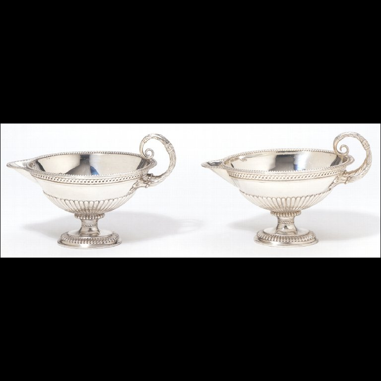 PAIR OF SAUCE BOATS
