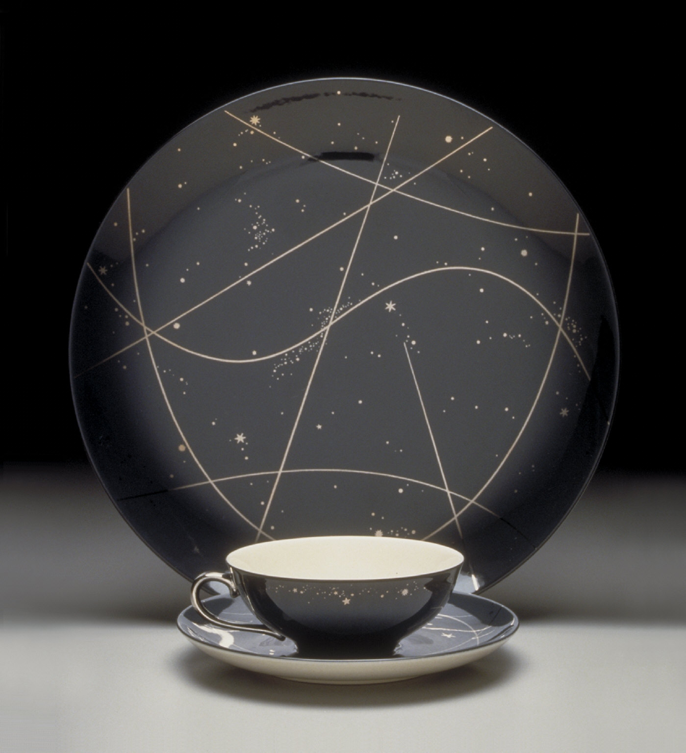 'Encanto' shape plate with 'Starry Night' pattern