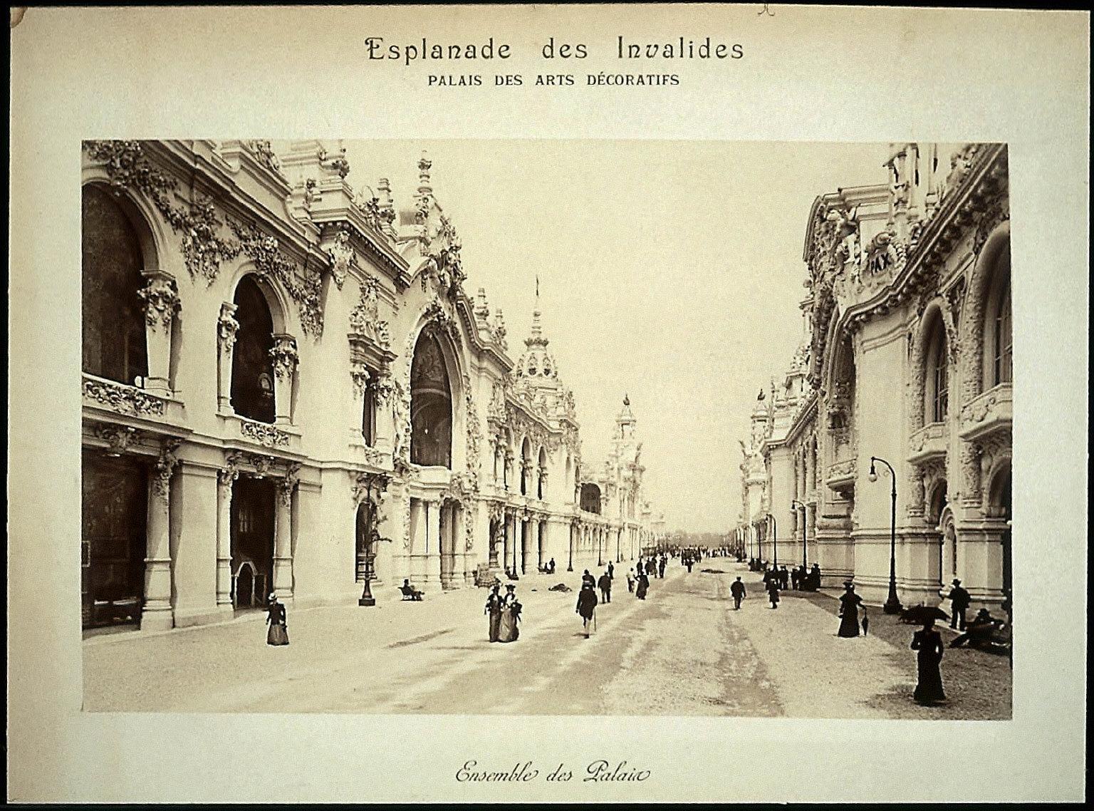 Esplanade des Invalides - Palais des Arts Decoratifs