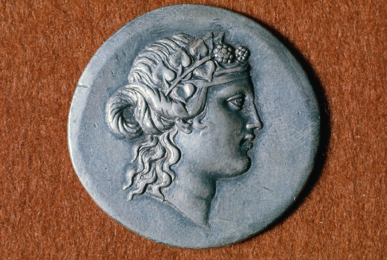 Tetradrachm with head of young Dionysos