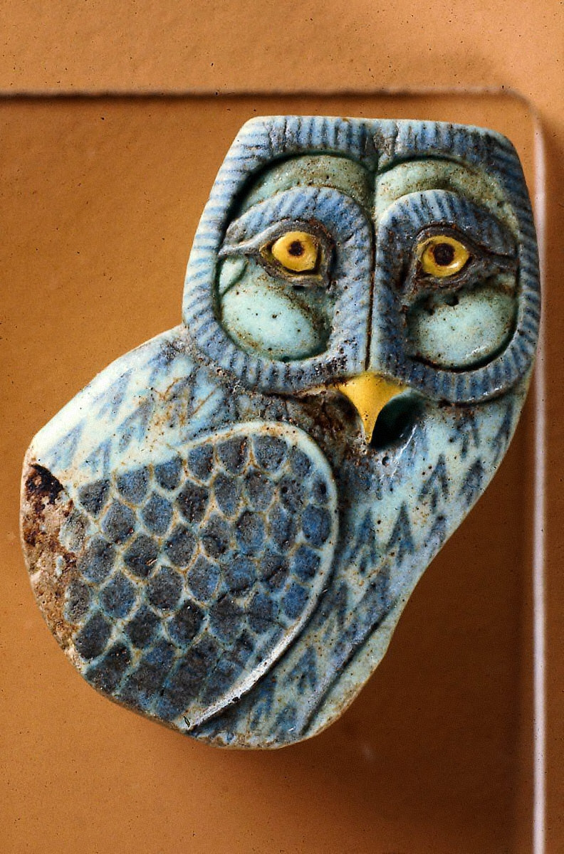 Inlay in the form of an owl