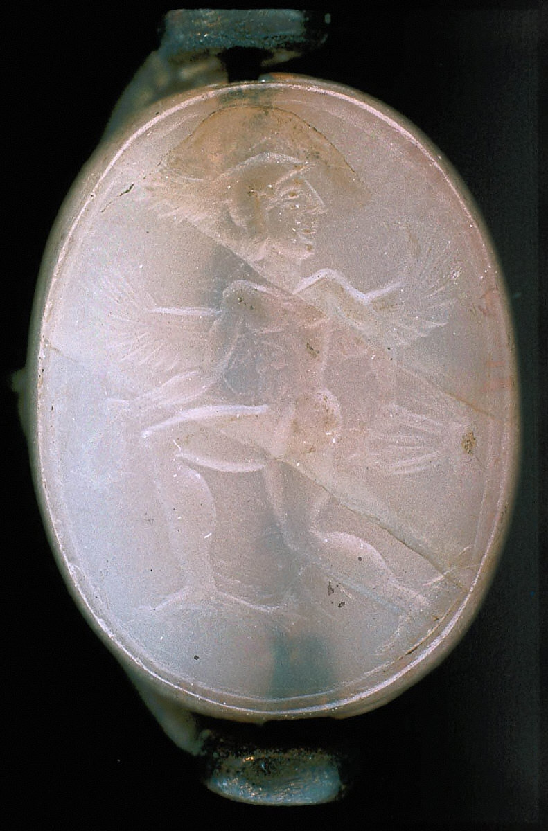 Scaraboid intaglio featuring Eros with lyre