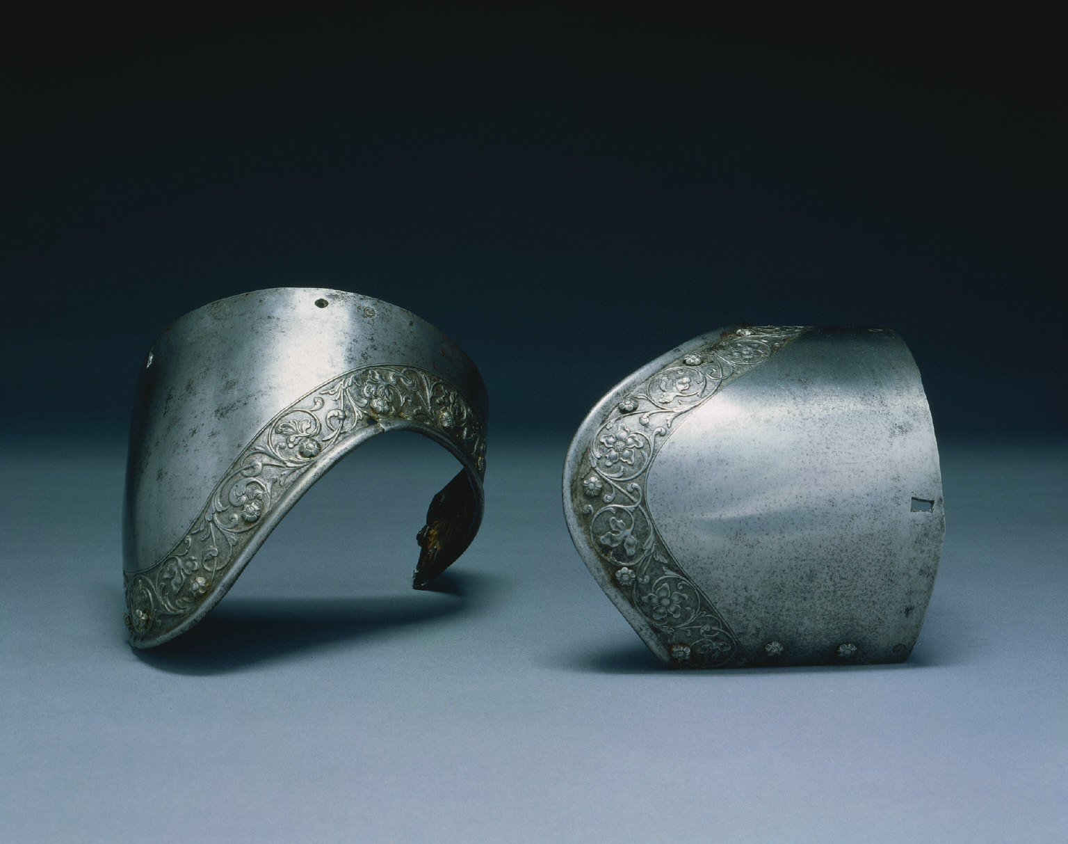 Pair of Upper Arm Canons
