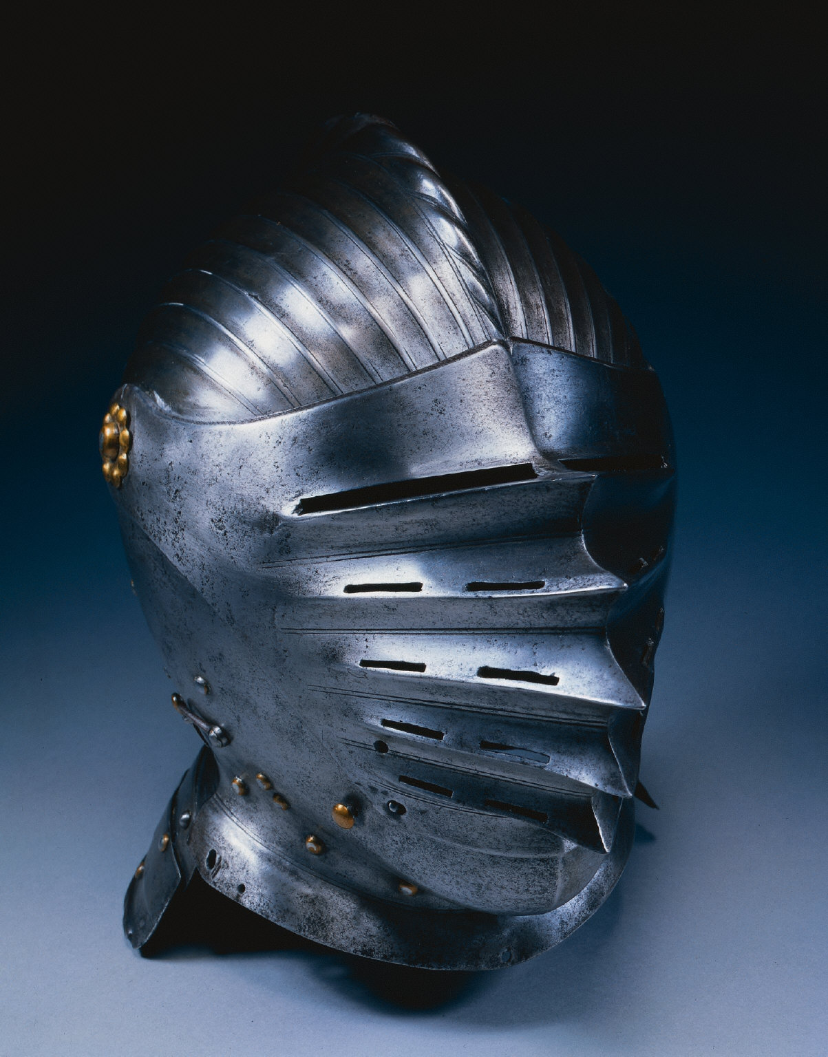 Close Helmet in Maximilian Style