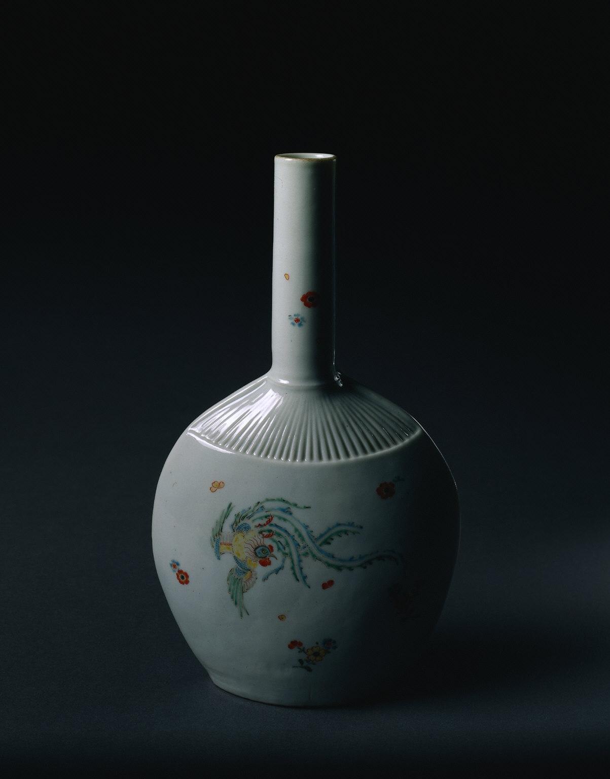Flask in the Shape of a Fan, Kakiemon Ware