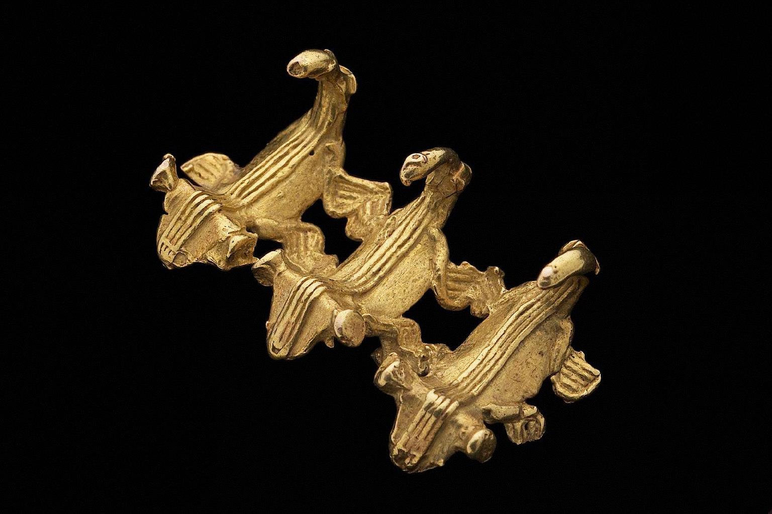 Effigy pendant, possibly zoomorphic