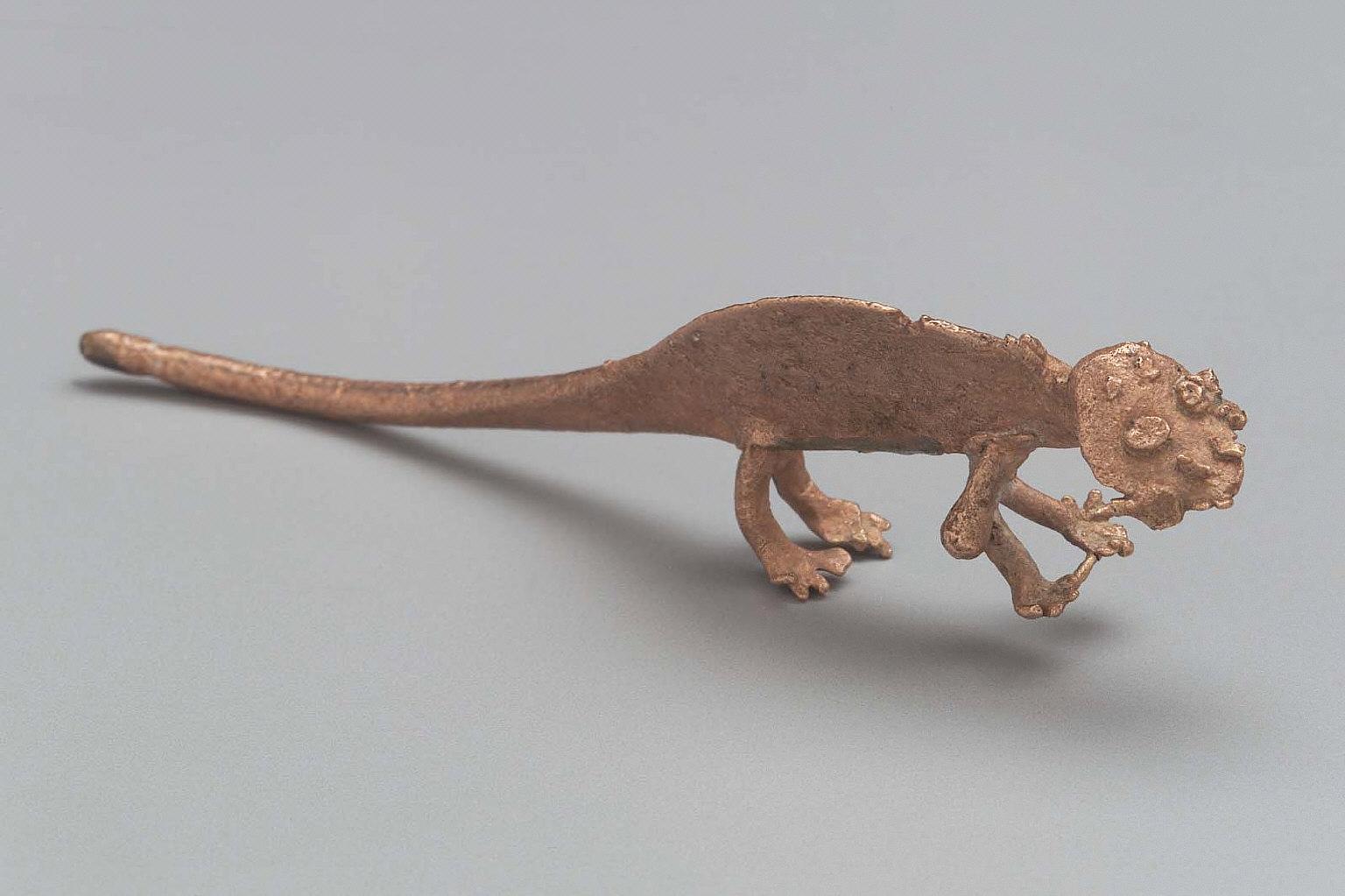 Lizard effigy