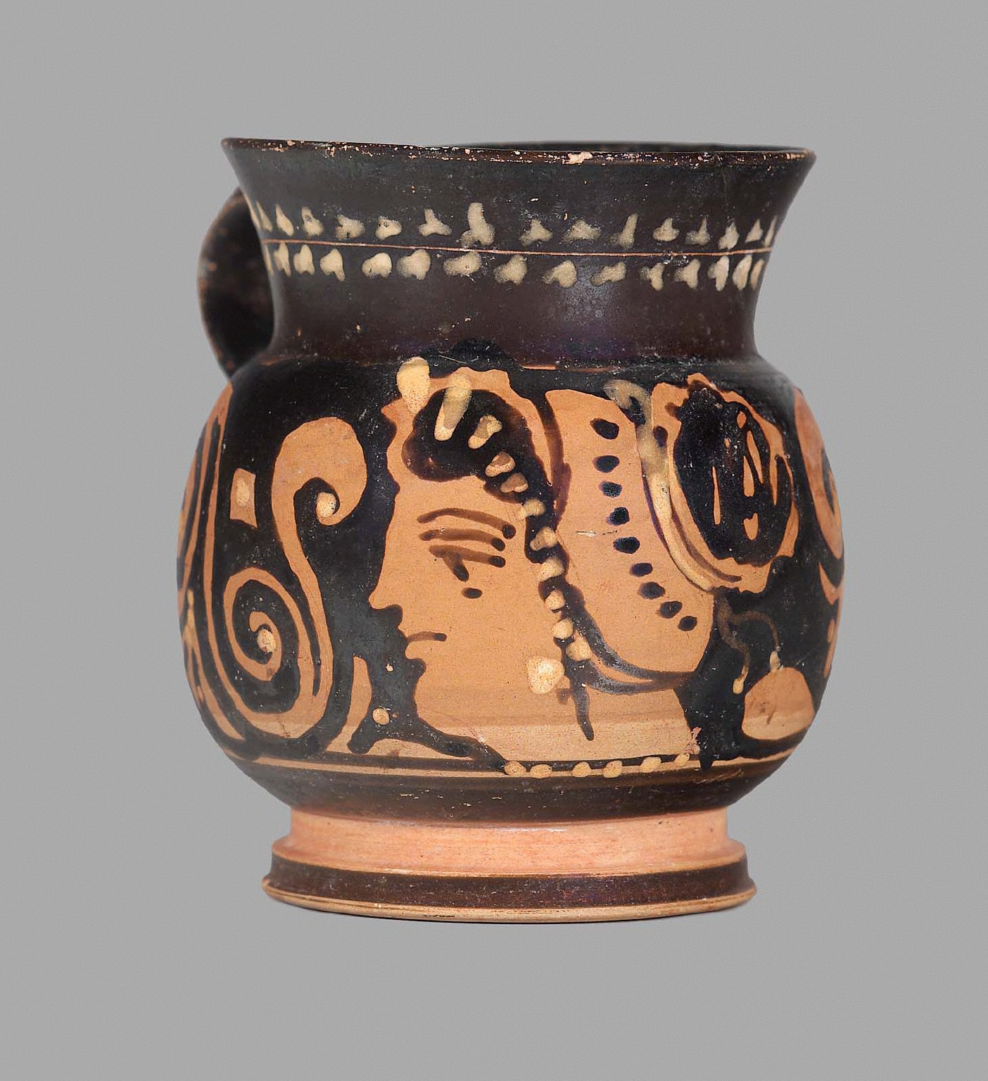 Oinochoe (mug)