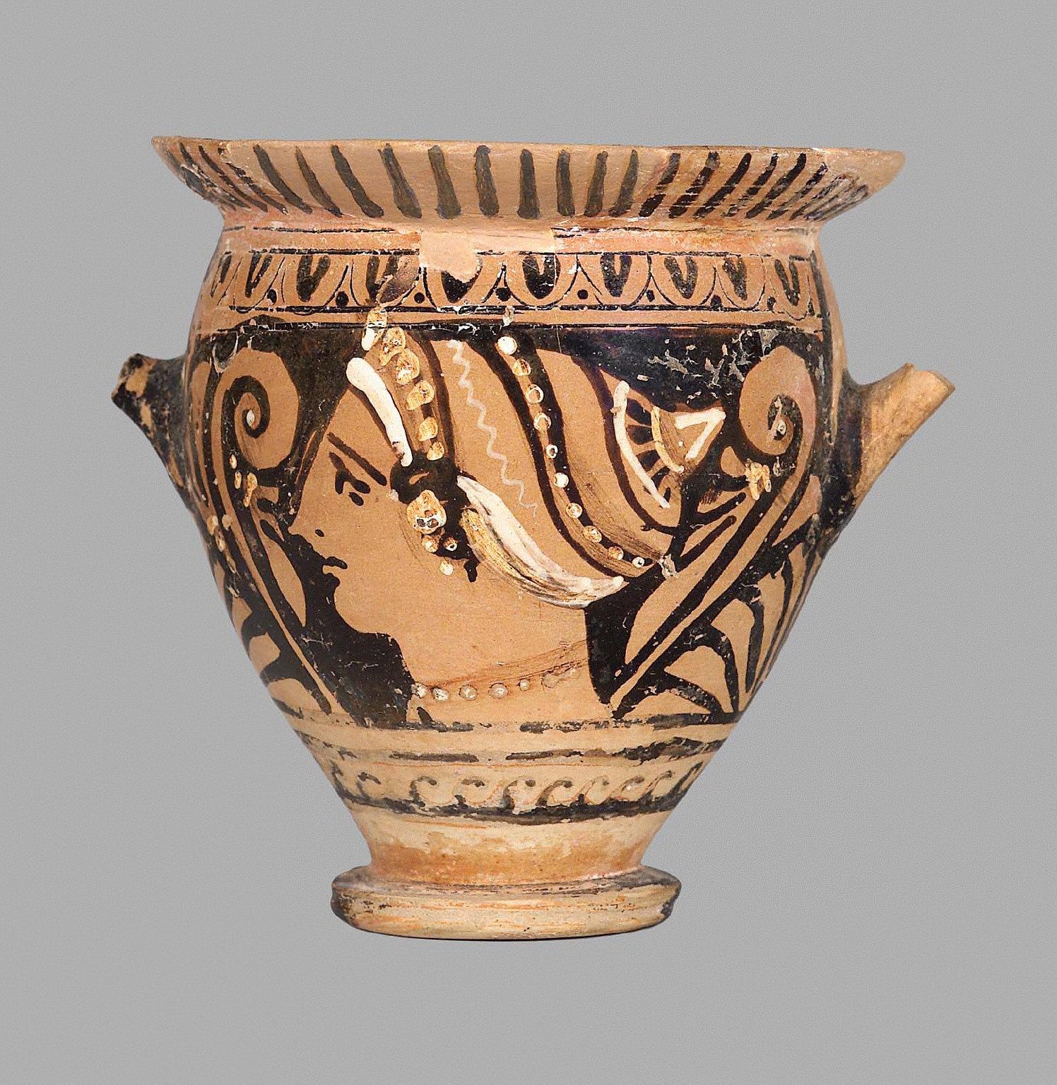 Skyphos (cup), Apulian
