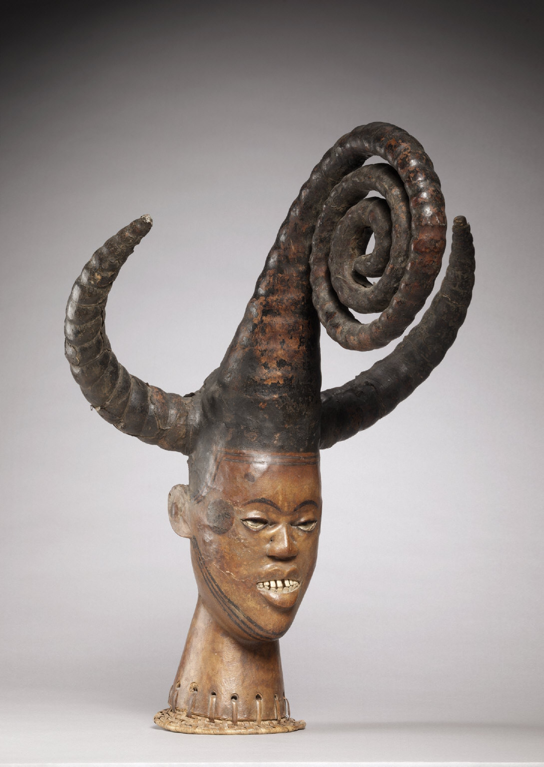 Headdress of a Maiden