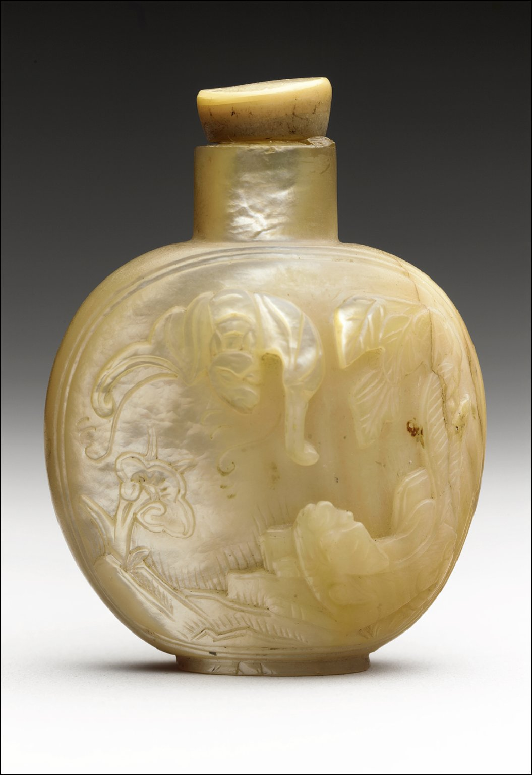 Snuff Bottle with Bat and Dog