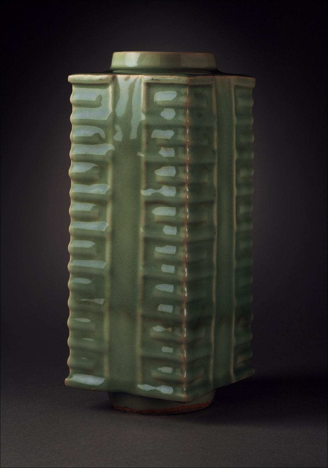 Vase (Ping) in the Form of an Archaic Jade Ritual Tube (Cong)