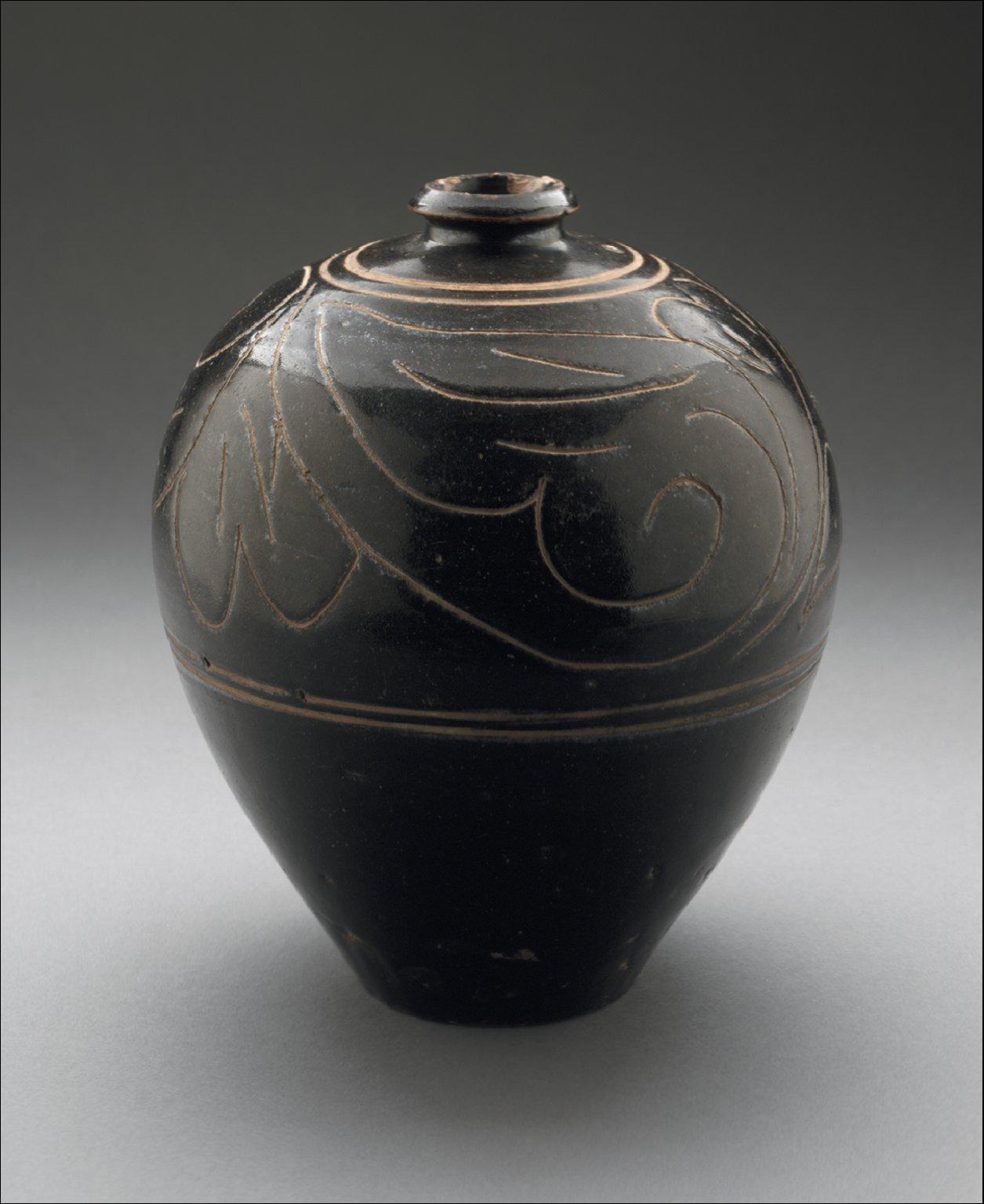 Jar (Guan) with Floral Scrolls