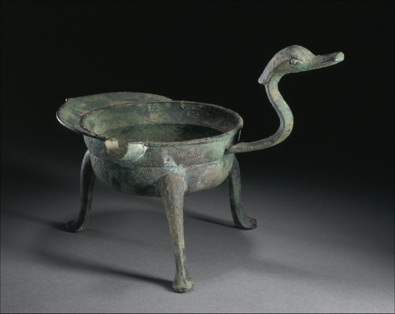 Spouted Warmer (Jiaodou) with Dragon Handle