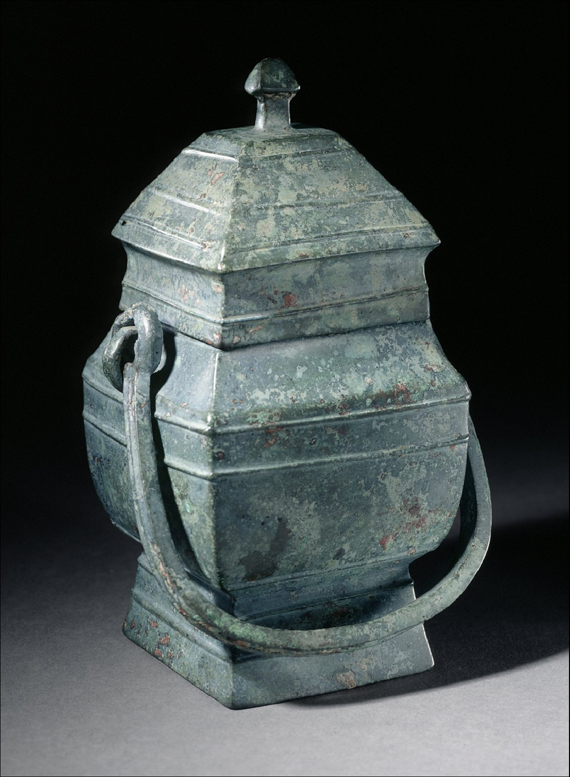 Lidded Square Ritual Wine Bucket (Fangyou) with Horizontal Ribs