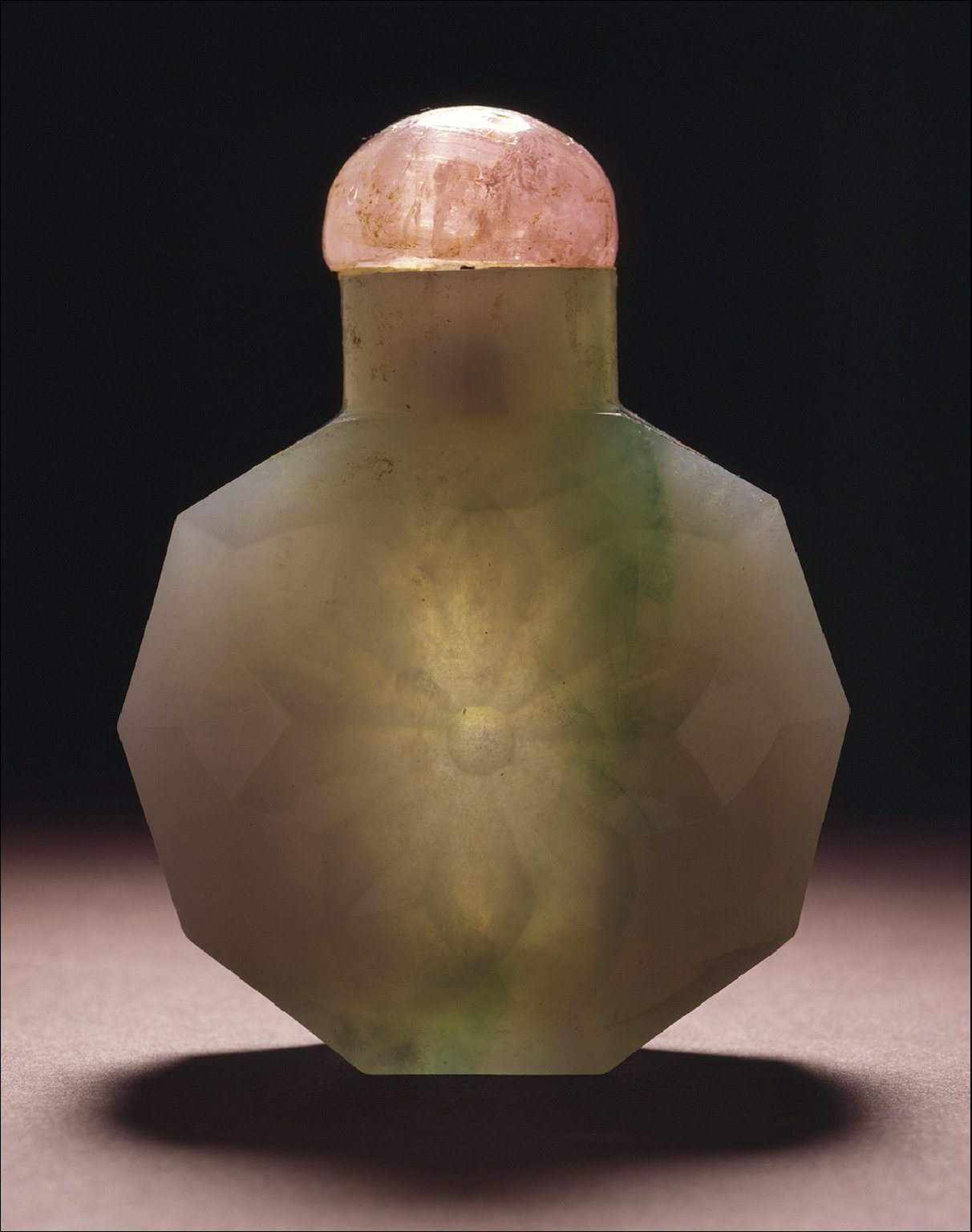 Snuff Bottle (Biyanhu) of Faceted Form
