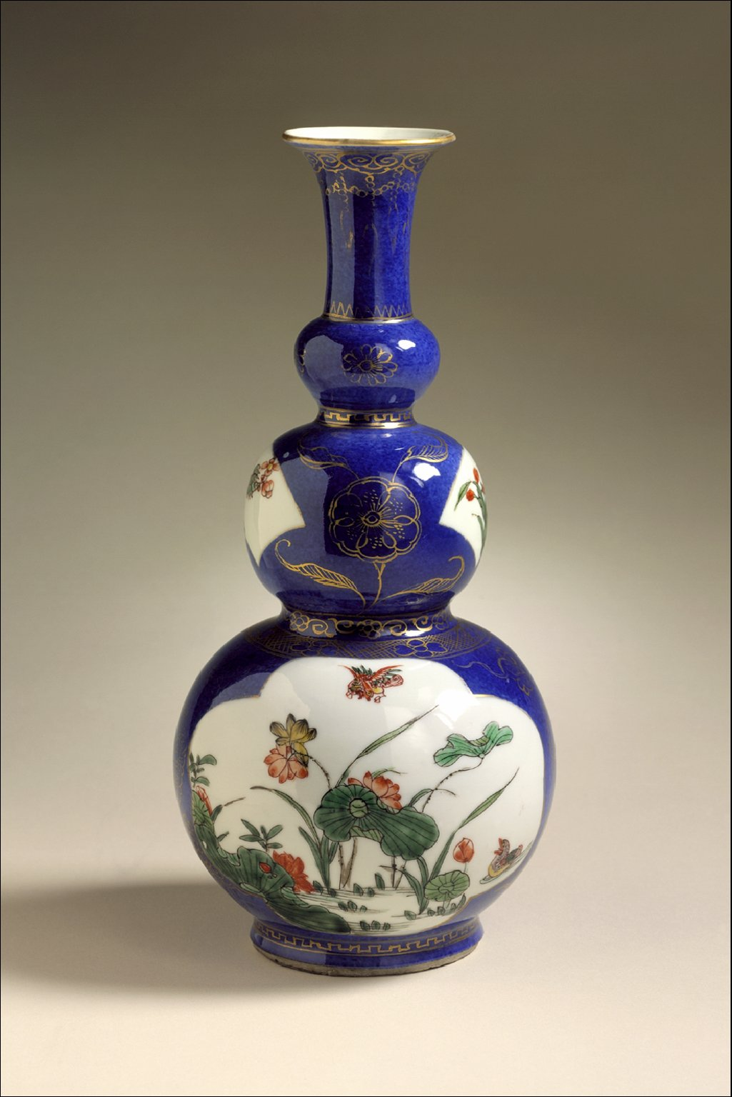 Vase (Ping) in the Form of a Gourd with Panels of Flowers and Birds