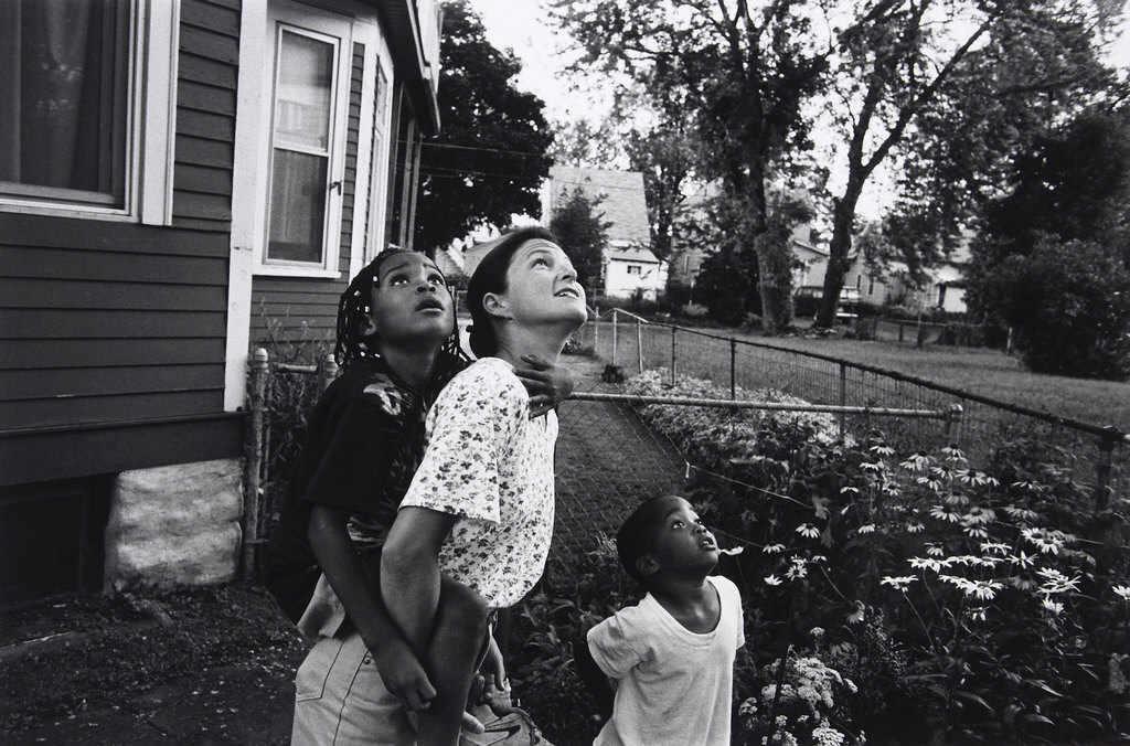 Woman with Two Children Looking Up, Frogtown, from 'Frogtown Series #127'