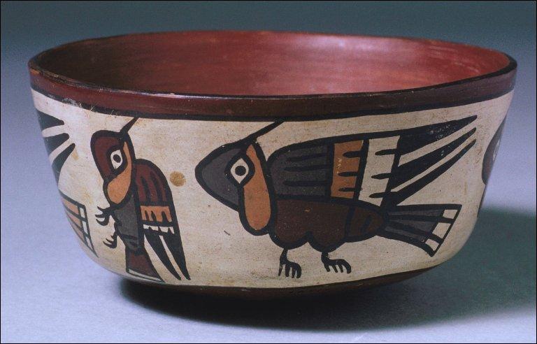 Bowl with hummingbird designs