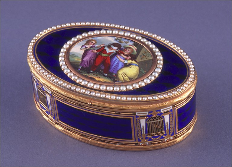 Oval snuff box with scene of four children playing blind man's bluff