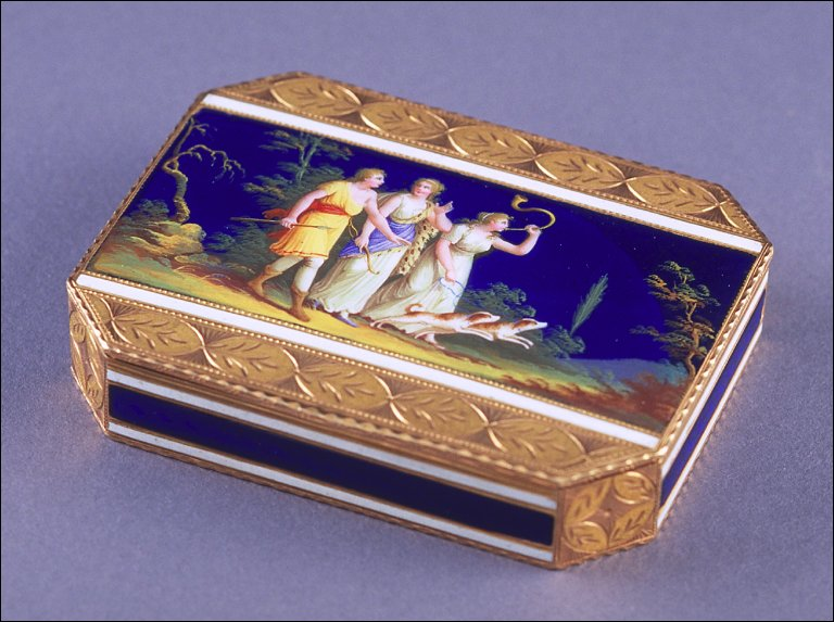 Octagonal snuff box with portrait of Diana, Goddess of the Hunt