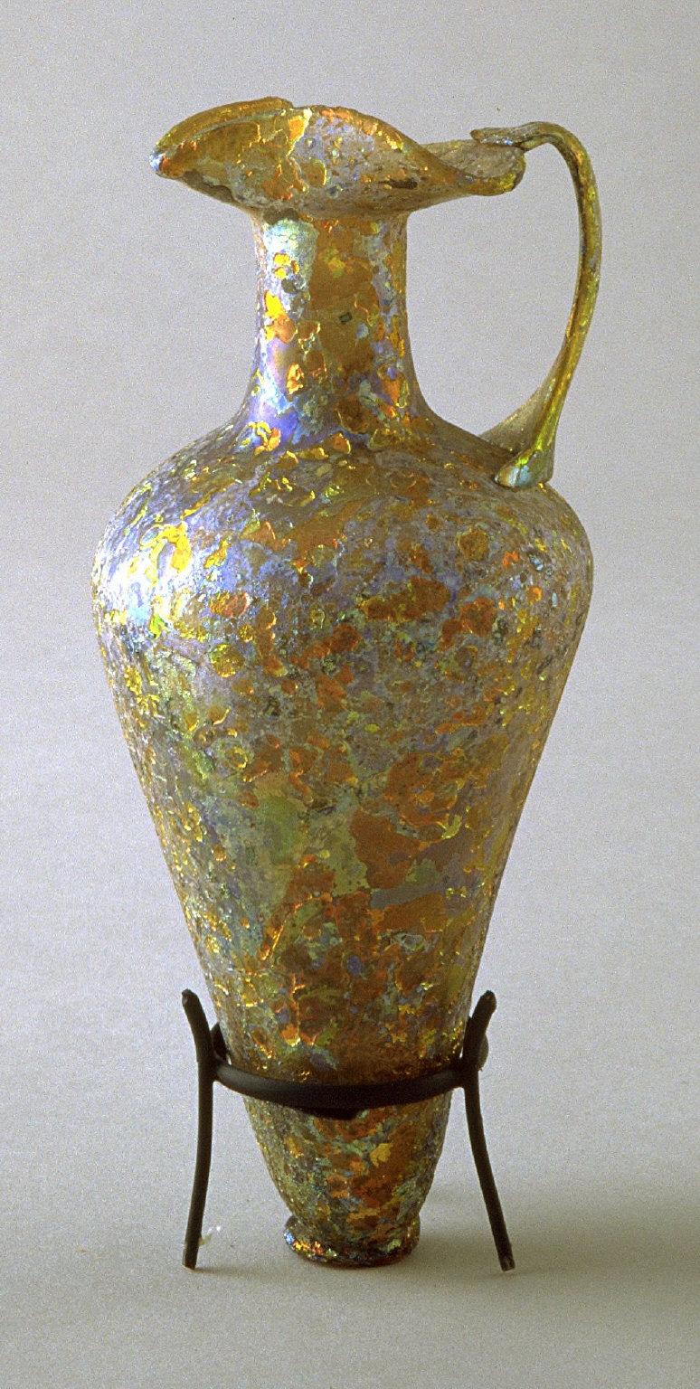 Flask brownish-blue iridescence, with folded lip