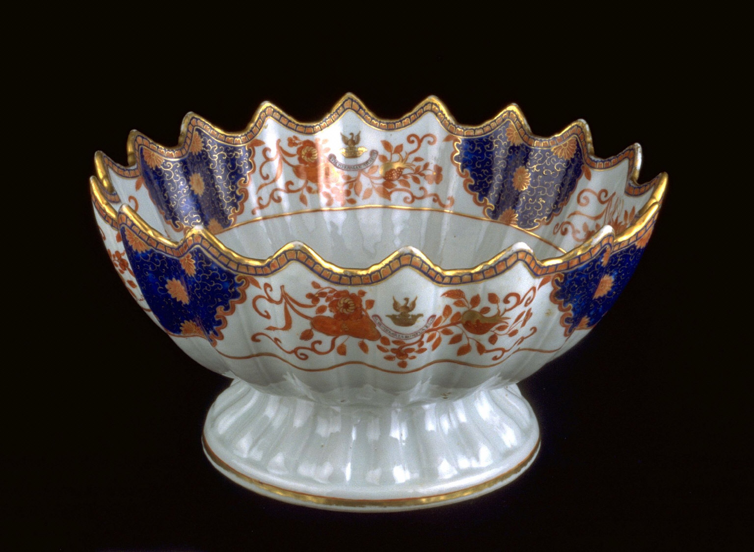 Punch bowl with crest of Sir Joseph Williamson