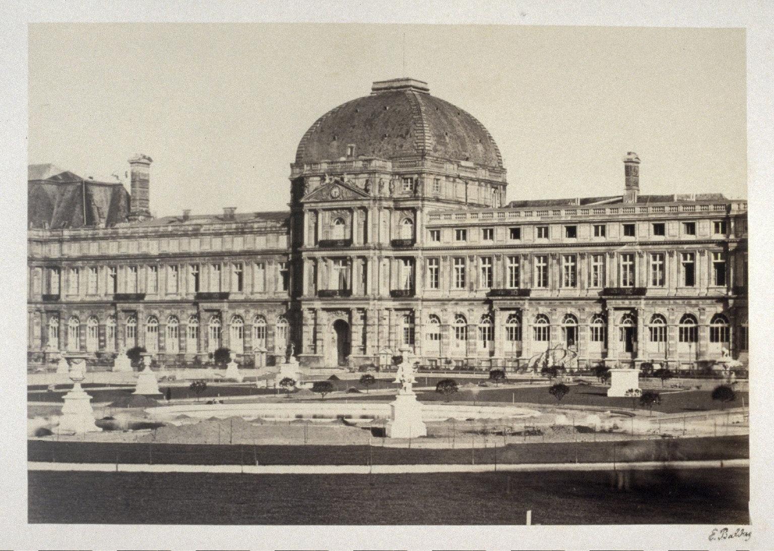 Louvre from 11 albumen prints from Vues de Paris en Photographie, 1858