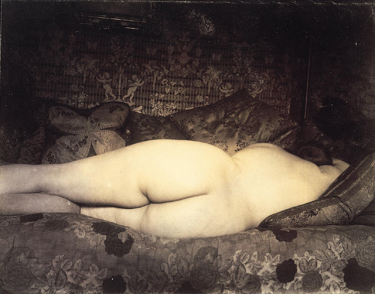 'Photo Album - E. Atget coll. Man Ray 1926'