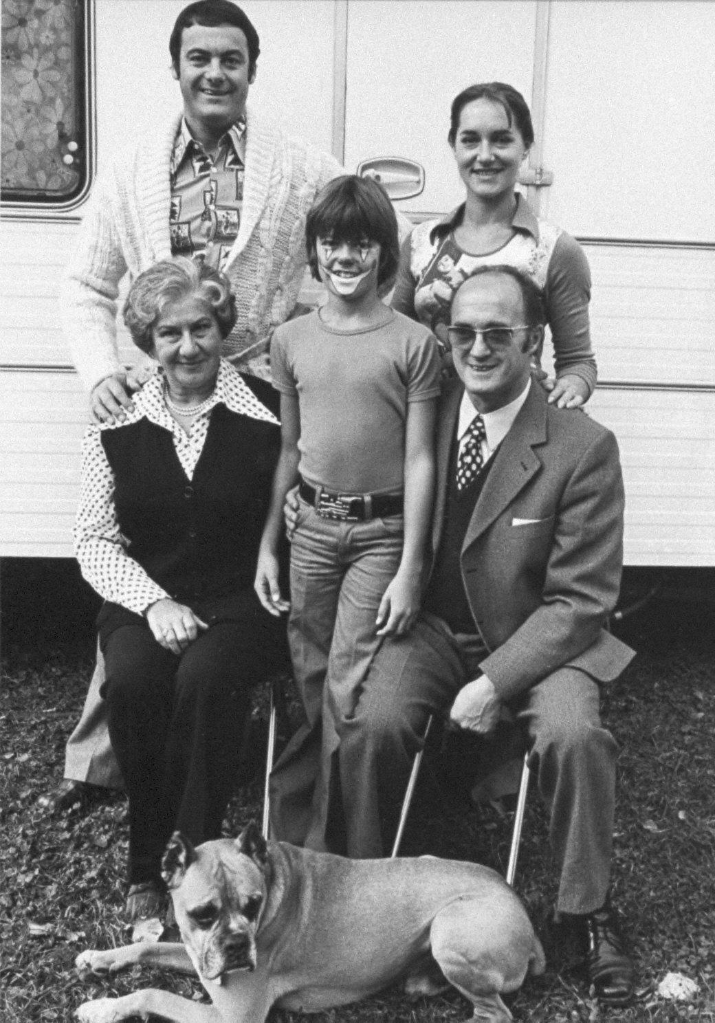 Circus Family Portrait-Circus Knie