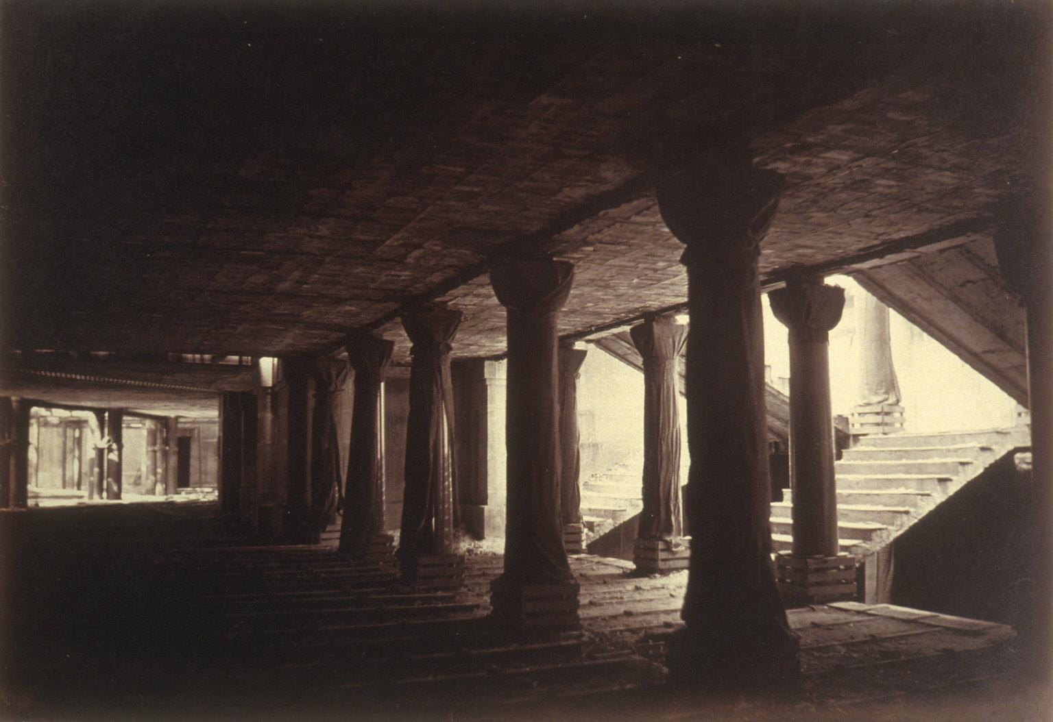 Wrapped columns, Paris Opera construction