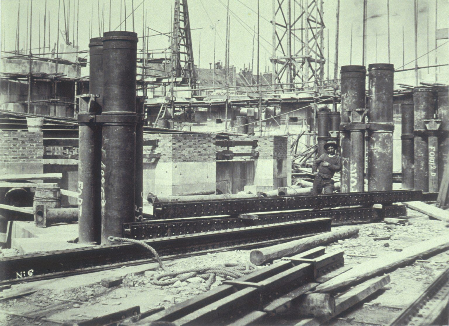 Footings, construction of Paris Opera