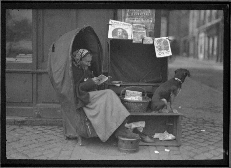 Bordeaux Paper Woman