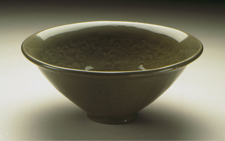 Bowl (Wan) with Chrysanthemum Scrolls