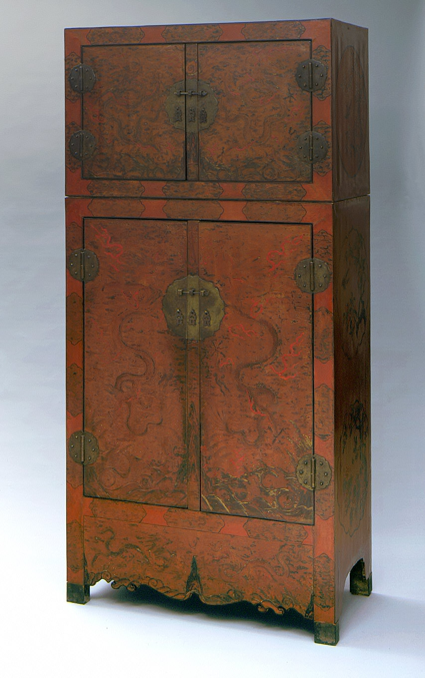 Cabinet and Hat Chest (Dingxiang Ligui) with Dragons, Insects, Birds, and Flowers