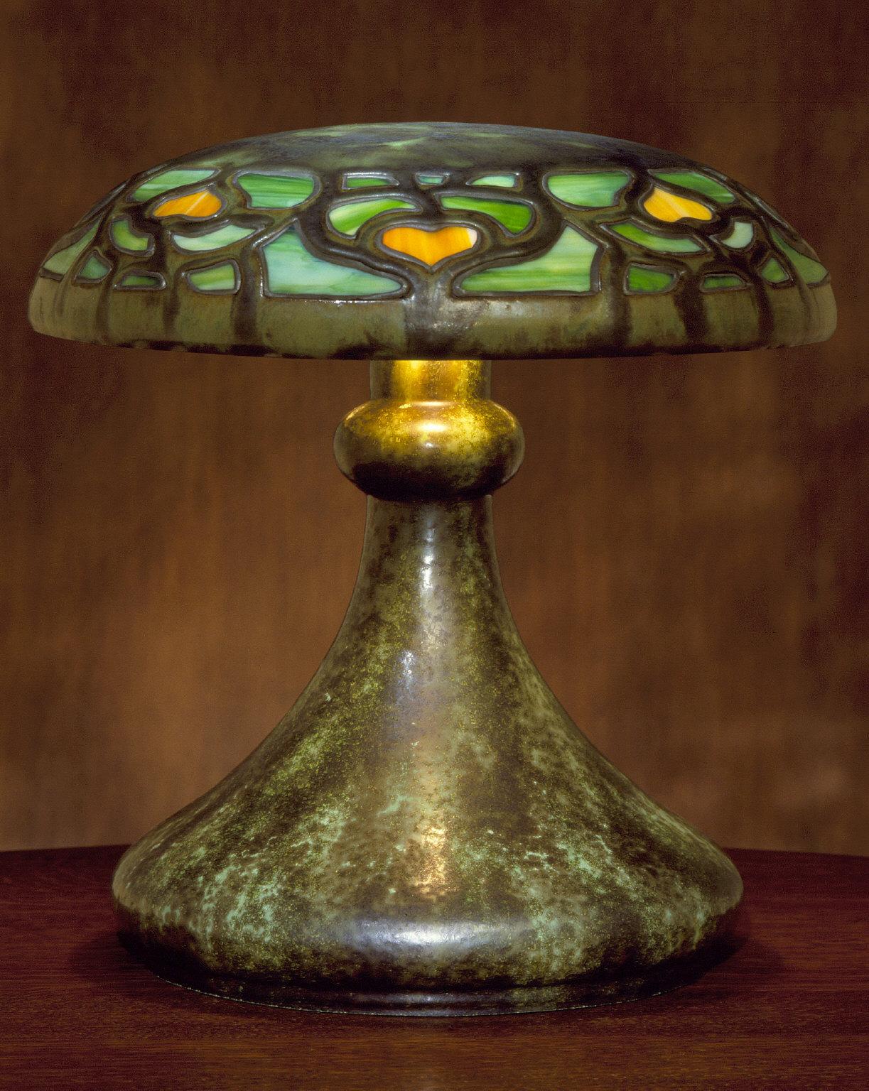 Vasekraft Table Lamp