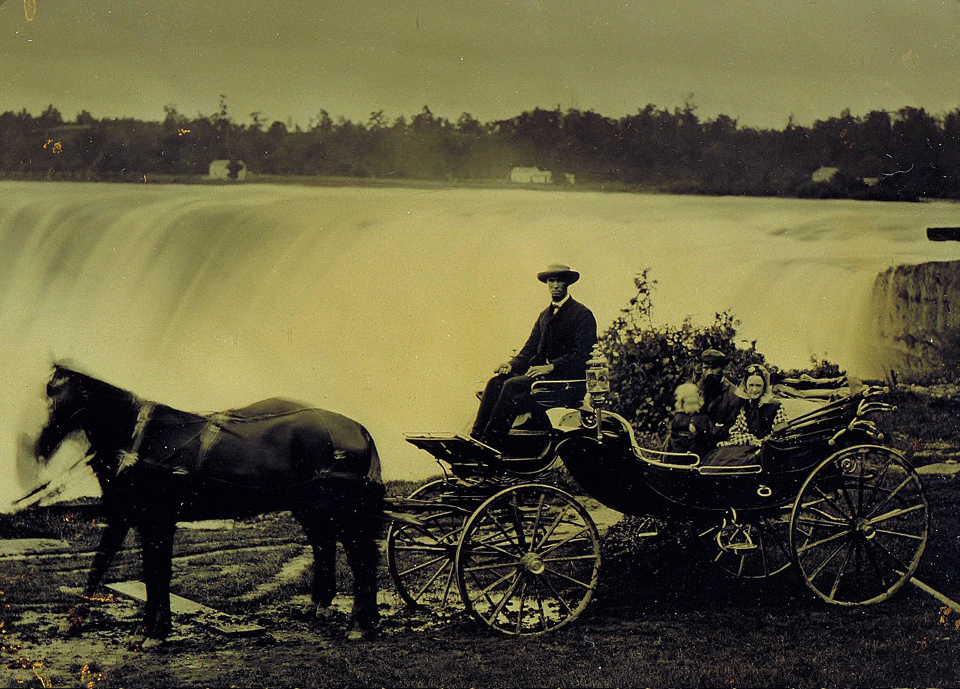 Family at Niagara Falls