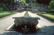Fountain of the table