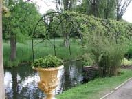 Water pergola
