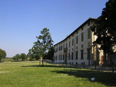 Villa Medici, Castello